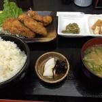 かき忠ハウス - カキフライ定食(H27.04)