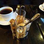 ラウンジ憩 - コーヒー・シュガー4種類