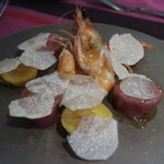 エサンス - 天使の海老とジャガイモのサラダ、サマートリュフかけ