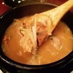 三蔵 - これが看板メニューの特製もつ煮!
