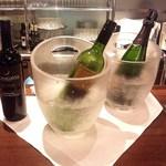 ハイアット リージェンシー 福岡 レストラン ル・カフェ - 他のお酒は、席までサーブしてくれます