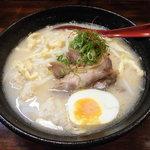 鶏真 - 地鶏白醤油拉麺