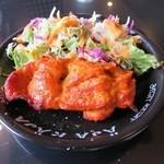 アジャカジャ - タンドリーチキンは骨なしですなので食べやすい