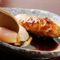 比内や - 比内地鶏「つくね棒温泉玉子添え」は一番人気です!