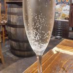 オステリア みちくさ - 樽詰めスパークリングワイン