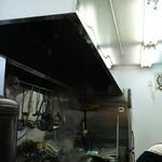 ら~めん 寺子屋 麺倶楽部 - 相変わらず輝きを放つ厨房です。店主御夫婦の気持ちが感じられます。