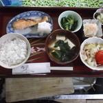 レストラン 美や美 - 鮭定食お飲み物付¥1.500
