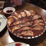焼きとり とんぼ - 料理写真:手作り餃子♪(*^^)o∀*∀o(^^*)♪最高