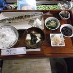 レストラン 美や美 - さんまの塩焼定食お飲み物付¥1200