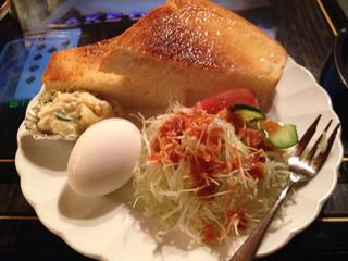 桃山 - なんとレベルの高いトースト  モーニングセット ドリンク付き550円