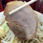 ドンキタモト - 薄くスライスされた豚バラ肉。若干臭みアリ。