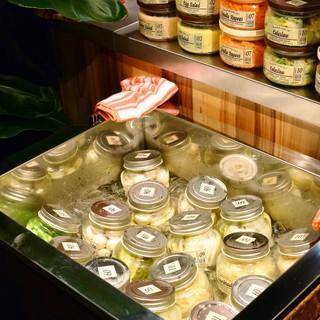 ●グリル料理はもちろん、女性に人気の十種類の野菜ボトルデリ♪