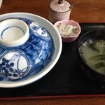 39869286 - 蓋付きドキドキワクワクなロースカツ丼550円