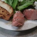 シェ・トト - 料理写真:鶏のレバーのムース