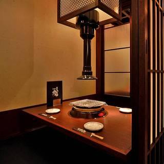 <完全個室が全18卓>ミナミ最大級数の個室完備で大人焼肉