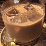 39879834 - カルーアチャイ。シナモンの香りがバッチリです。カフェの実力をしっかり味わいました。デザート替わりにも。