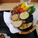 39882000 - ざる盛り鎌倉野菜