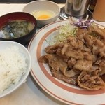 キッチンくりの木 - 豚バラ生姜定食750円+おかずW250円