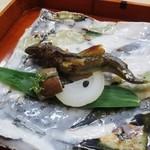 Shizemboutanaka - 焼き物 鮎塩焼き 玉ねぎ