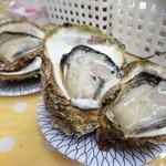 西川鮮魚店 - 天然岩牡蠣・・\900円/個