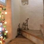 カナブン - 下で注文し、2階へ上がって待ちます。階段が素敵〜♪