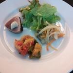 アンテヴォルテ - 前菜盛り合わせ ラタツュユ アジ南蛮 かつを サラダ