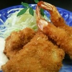 Washokutsukasa - 海老・魚(マグロ)定食のフライ
