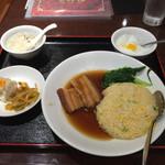 39893559 - 豚バラ肉の角煮チャーハン、800円