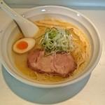 39893863 - 白湯スープ塩 @700円