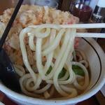 山田うどん - つるんとした麺