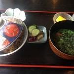 海鮮食堂岩屋 - サザエ丼