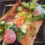 草加パリ食堂 エルブ - ガレットコンプレ
