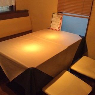 4名様用テーブル