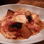 ピソラ - 茄子とベーコン、モッツァレラのトマトソース¥990