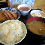 東京小町亭 - ハムカツ、カレーコロッケ、マカロニサラダ、ご飯(小)、豚汁
