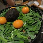 39920932 - 鳥みそ鍋(もも肉、レバー、キンカン、九条葱、長葱、玉葱、ニラ、豆腐、蒟蒻)2