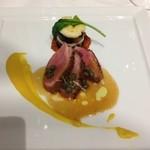 39922377 - フランス産鴨肉のロースト 香り高いトウモロコシのピューレをのせて