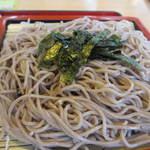 麺勝 - 蕎麦は海苔がトッピングされた食欲をそそられるお蕎麦。