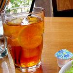 3993806 - 紅茶はピザと相性ばっちり(笑)