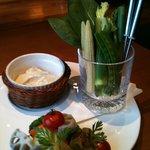 3993904 - 季節野菜のバーニャカウダ。新鮮な野菜がおいしい。