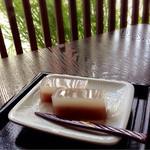 御菓子処 ひた屋福富 - 料理写真:葛ようかん 200円
