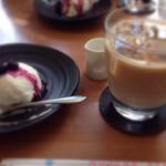 39936005 - レアチーズケーキ+アイスコーヒー@350+500