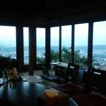 雲亭 - 室内も落ち着いた居心地のいい雰囲気でした!
