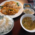 氷花餃子 - ランチ(鶏肉とカシューナッツ炒め)