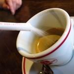 カフェ カリアーリ - 店主の言うエスプレッソの美味しい飲み方を実践