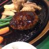 カフェレストラン ガリーン - 料理写真:ふっくらしてるところを破ると肉汁ブシャー