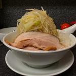 らうめん さぶ郎 - 正油 豚2枚(極太麺、野菜多め、刻み玉ネギ)