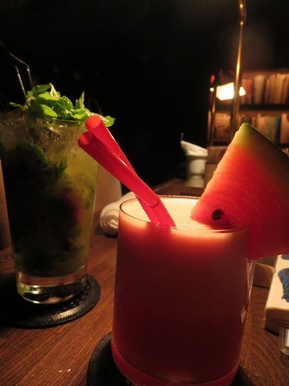 Library Lounge THESE(テーゼ)>