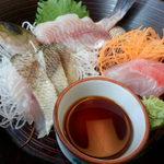 39951026 - 館山ご当地グルメ『炙り海鮮丼』2の段