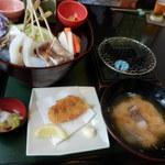 39951029 - 館山ご当地グルメ『炙り海鮮丼』全体